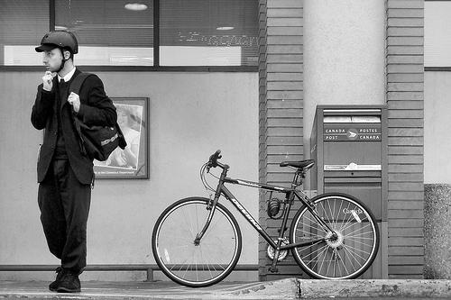 Hybrid bikes £300 and below